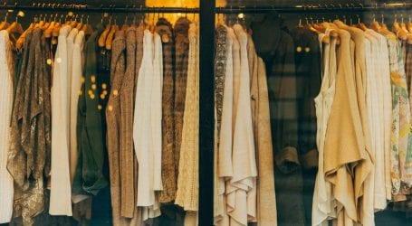 התגובה לשופינג של בלאק פריידיי: מסיבות החלפת בגדים וסטיילינג אישי חינם